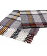 Buttertubs Grey Scarf - $1.013,43 MXN