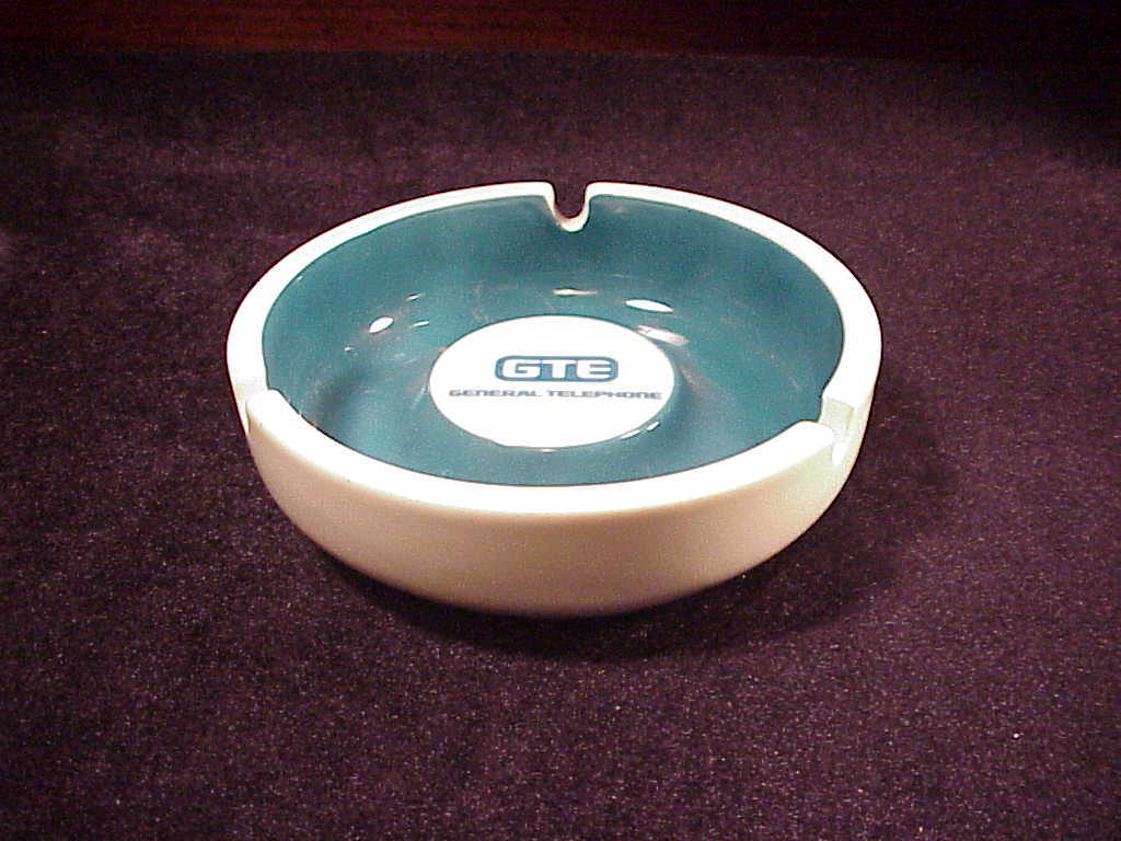 GTE General Telephone and Electronics Corporation Ceramic Ashtray