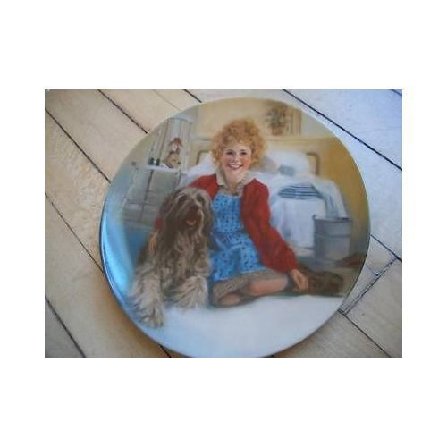 Edwin Knowles Collector Plate Annie and Sandy 1983
