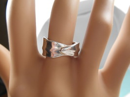 Tiffany & Co Leaf Ring Wide Band! Sz 6 Rare - $148.40