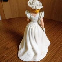 Vintage Avon 1986 Summer Bride Hand Painted Fine Porcelain Figurine  image 4