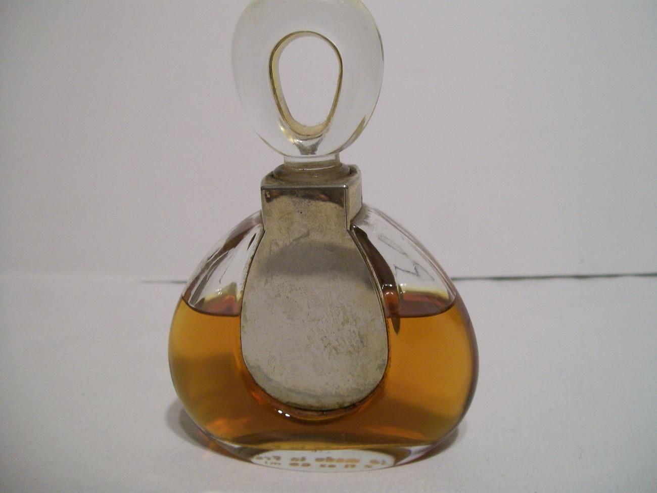 Vintage de Van Cleef & Arpels Paris First Perfume 2 oz