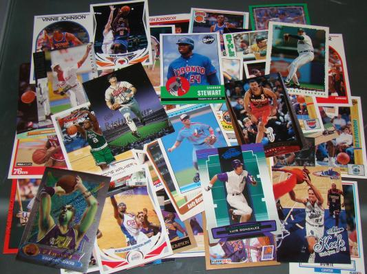 Sports Cards / Trading Cards - 60 Assorted Card Lot 6
