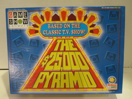 THE 25,000 PYRAMID Game Show Network Tv Show ©2000 Endless Games  - $51.41