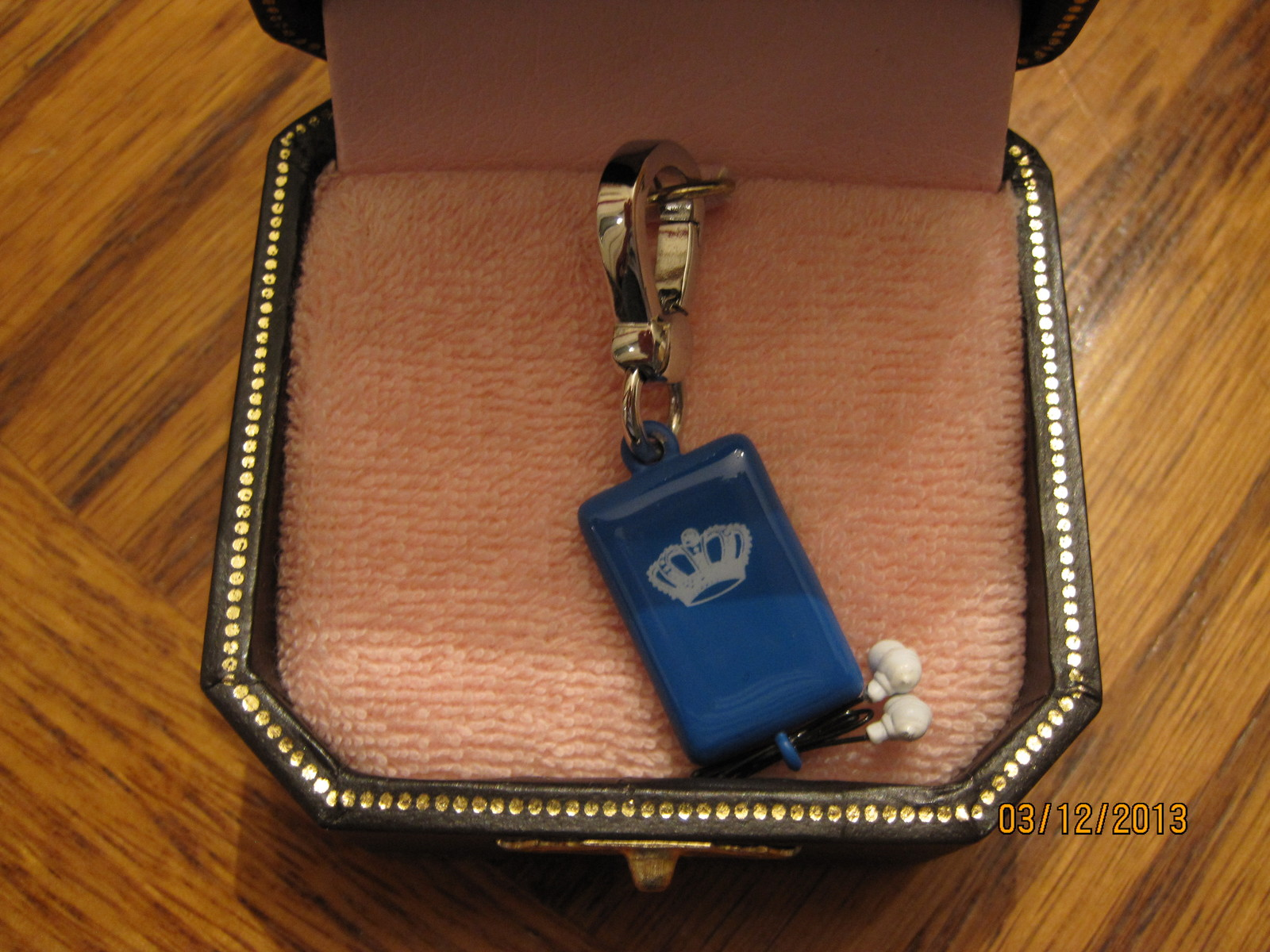 Juicy Couture mp3 player charm - cute!