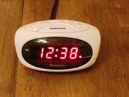 Westclox ALARM CLOCK RED LED DISPLAY With BATTERY BACKUP WHITE CASE - $7.80