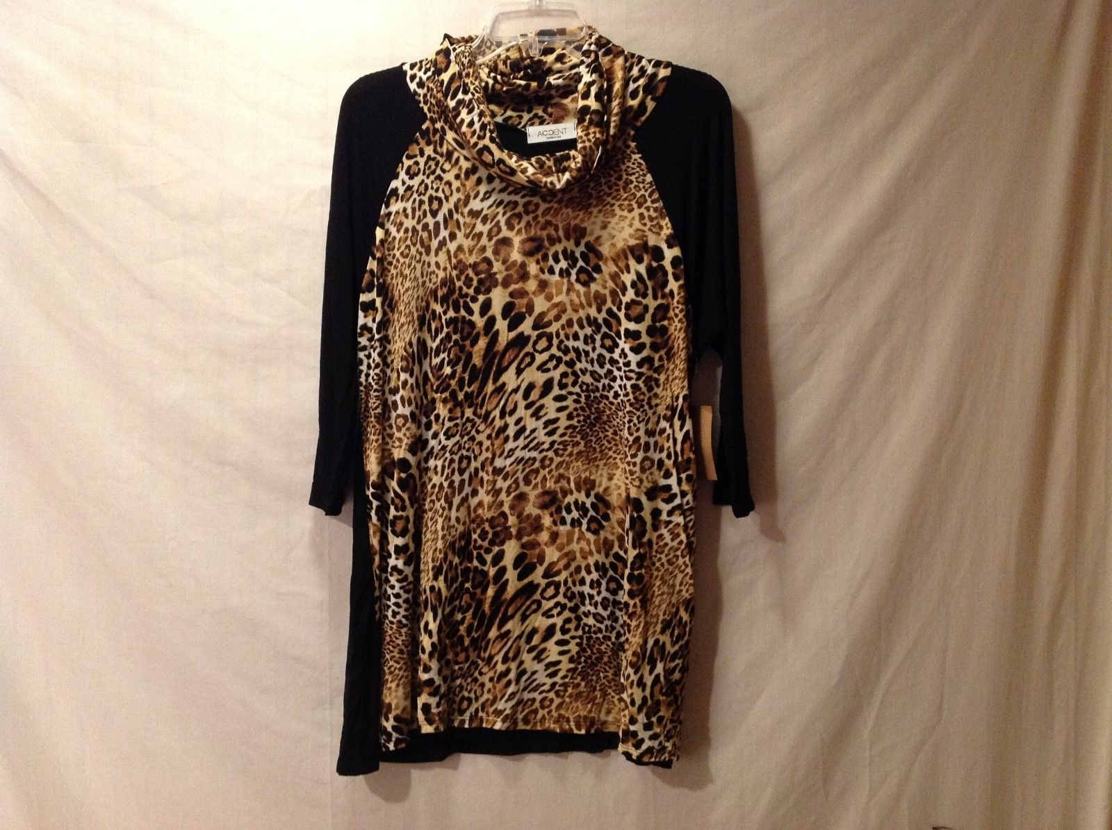 Women's Accent Accessories Black w/ Leopard/Cheetah Print Silky Shirt Size S