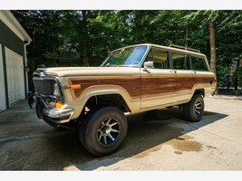 1984 Jeep Grand Wagoneer For Sale In Lewis Center, OH 43035 image 4