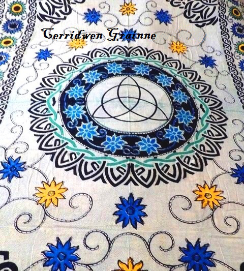 Kerridwens Triquetra Tapestry