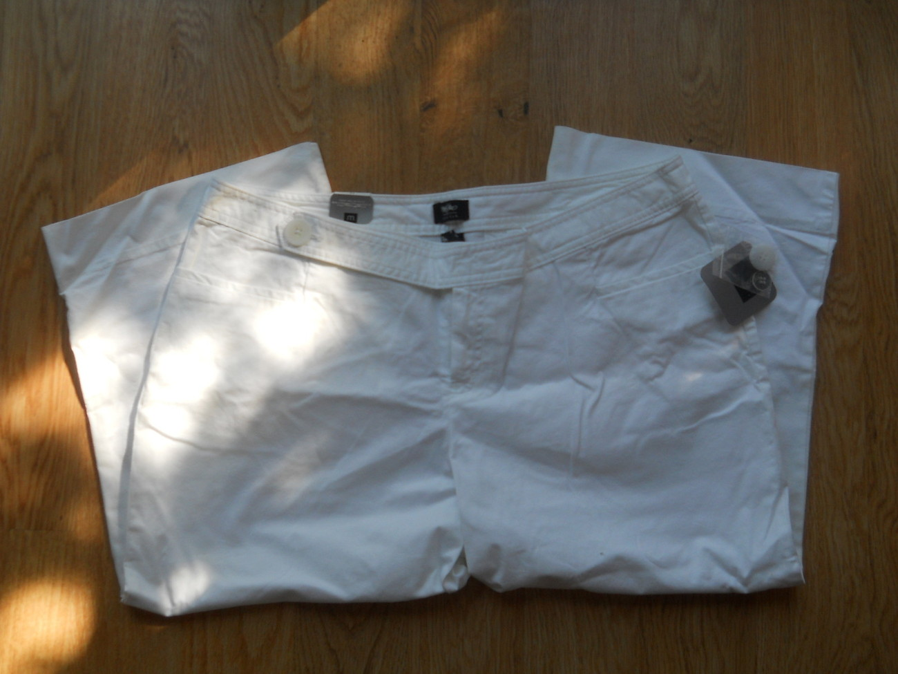 Mossino Stretch Cropped White Pants Low Rise Slim Hip Thigh Capri Size 12 NEW