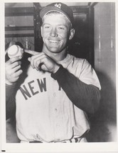 Mickey Mantle 500 Home Run New York Yankees 8X10 BW Baseball Memorabilia... - $4.99