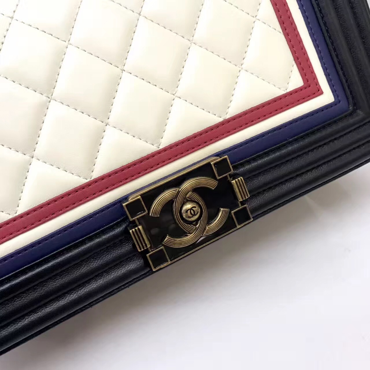 91d51f86231536 AUTHENTIC CHANEL LIMITED EDITION Lambskin Medium Crest Embellished ...