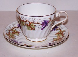FABULOUS VINTAGE AYNSLEY ENGLAND BONE CHINA GRAPES LEAVES WITH GOLD CUP ... - $23.51