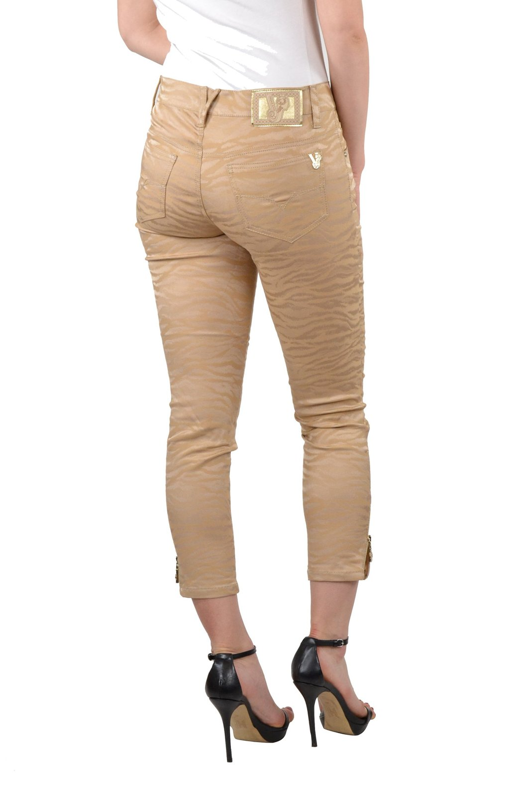 Shop our entire selection of women's scrubs pants. From cargo to skinny scrub pants, you'll find the perfect fit and functionality for your style. Shop our entire selection of women's scrubs pants. From cargo to skinny scrub pants, you'll find the perfect fit and functionality for your style. Skinny Leg. Slim through the hip and thigh, with.