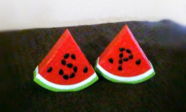 AVON COLLECTIBLE WATERMELON SALT AND PEPPER SHAKER SET - $5.55
