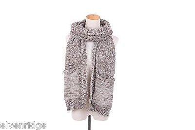 Knit Dip Stitched Pocket Scarf - Grey