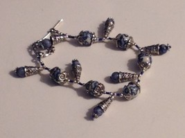 Bracelet Blue White Glass Bead Ornate Silver Tone - $13.51
