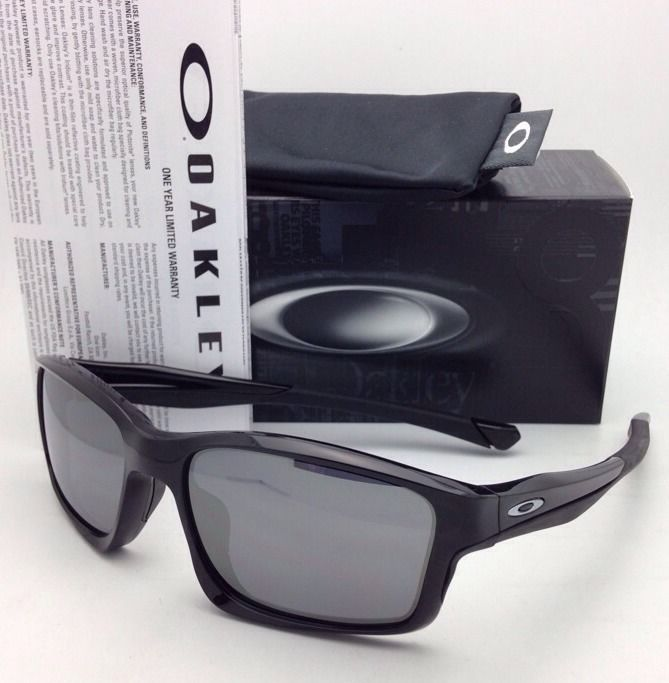 New OAKLEY Sunglasses CHAINLINK OO9247-01 Black Frame with Black Iridium Lenses