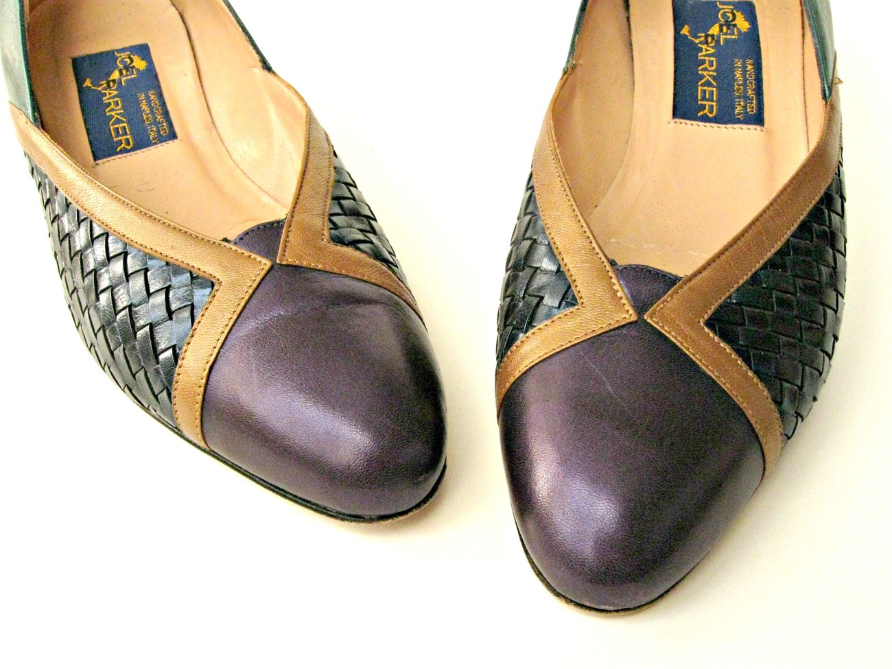Vintage Joel Parker shoes. Pumps. Emerald, amethyst, and sapphire (navy).  6.5AA