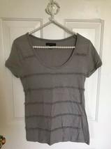 BANANA REPUBLIC gray cotton Tee Top T-Shirt Short Sleeve xs ruffle tiers stripe - $4.97