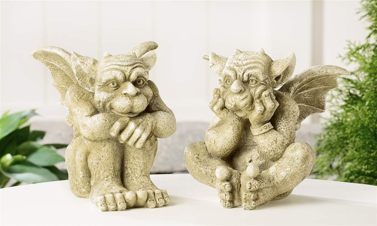 Set of 2 Gargoyle Design Sitting Garden Statues Antique Cream Finish Polyresin