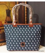 NWT Dooney & Bourke NG352 XR Small Leisure Shopper Navy/White MSRP $198 - $179.99