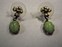 PIERCED TINY GREEN HALF BEADS ON DROP WITH GOLD COLOR BOW EARRINGS - $1.97