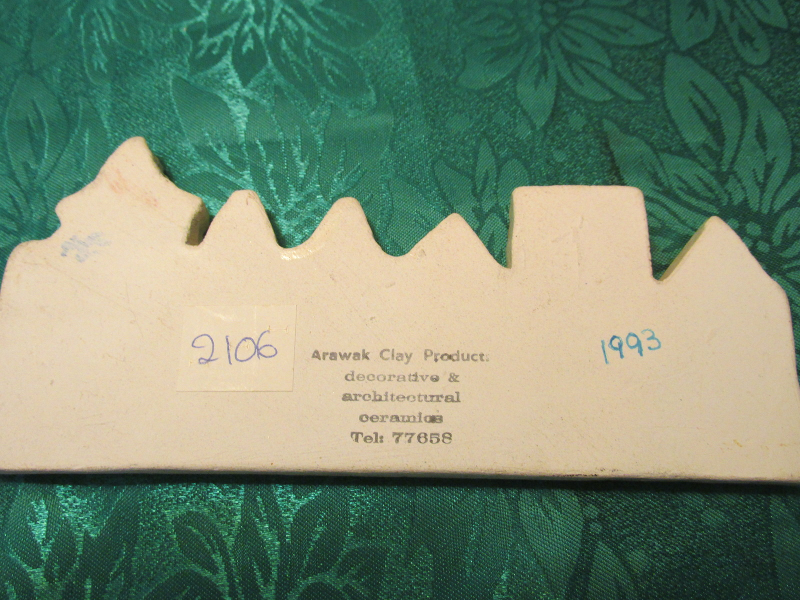 Arawak Clay Products 1993 Decorative Plaque
