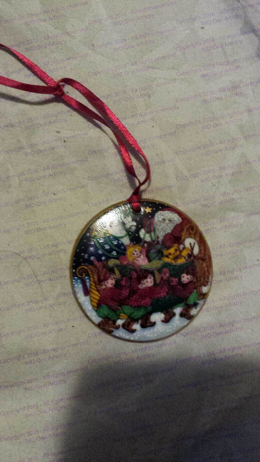 "Bing & Grondahl 1990 ""Santa in the Sleigh"" porcelain collector's ornament"