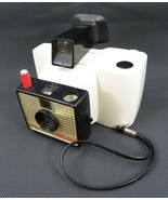 Vintage Old Swinger Polaroid Land Camera Model 20 - $19.00