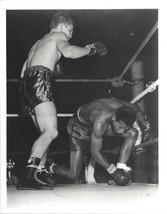 Artie Levine Floors Sugar Ray Robinson 8X10 Photo Boxing Picture - $3.95