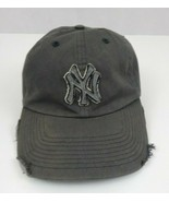 Twin Enterprises New York Yankees  Distressed Gray Fitted Baseball Cap Size L - $14.01