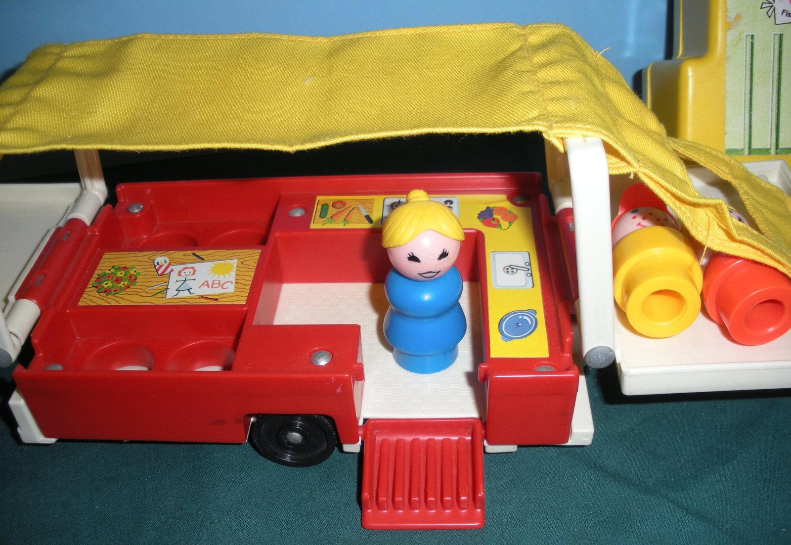 Vintage Fisher Price #992 Car and Pop Up Camper Complete VG+-VG++ (G)