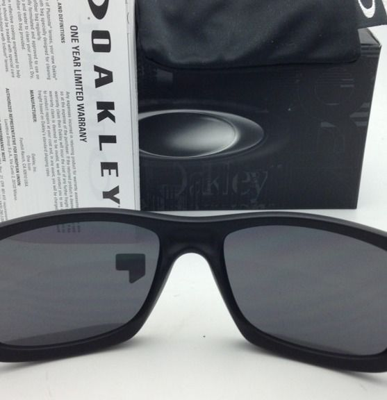 New Oakley Sunglasses JUPITER SQUARED OO9135-09 Black w/ Black Iridium POLARIZED