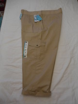 Women's Lee Austyn Cargo Capri Pants Cafe Color Size 24W M NEW Relaxed Fit - $36.62