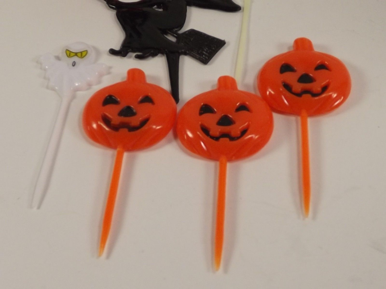 Halloween Cupcake Cake Toppers Picks Decorations Vintage Hard Plastic 7 Pieces