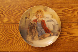 Knowles Collector Plate Annie And Sandy Signed - $9.50