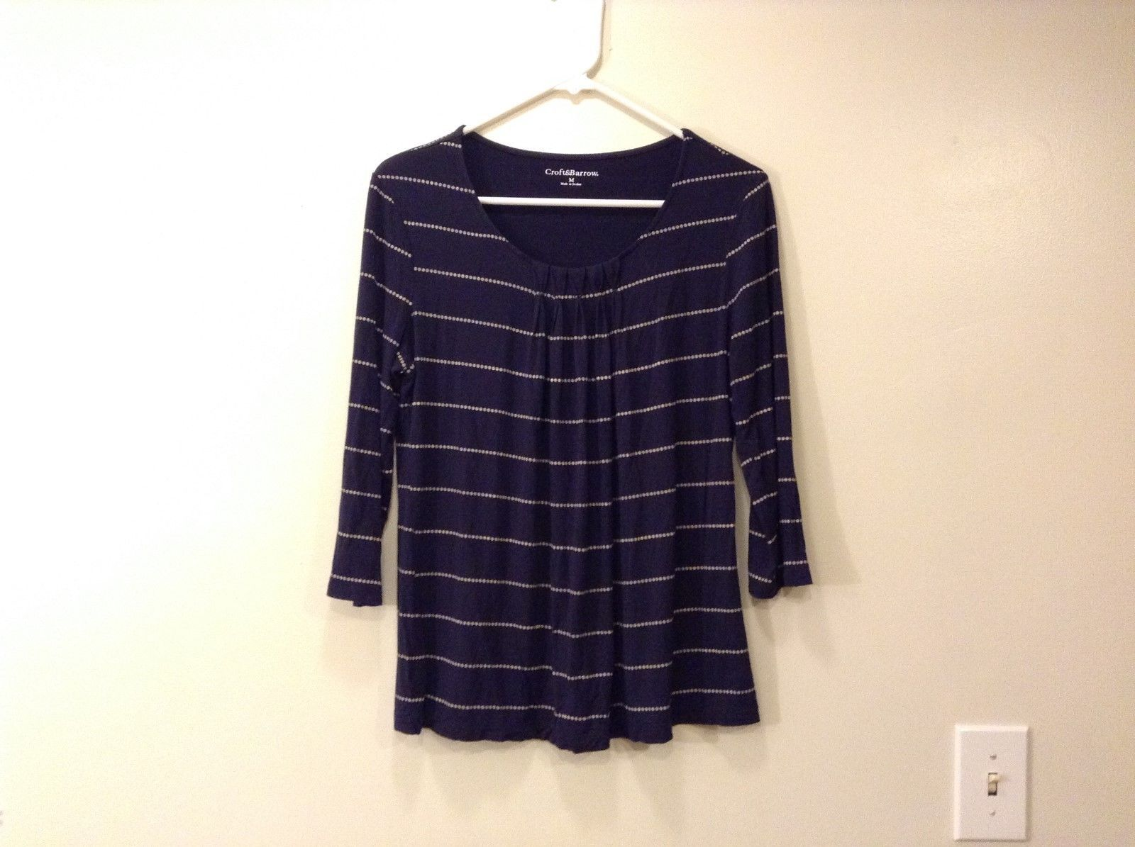 Ladies Croft and Barrow Navy Blue White Dotted Lined Top Blouse Sz M