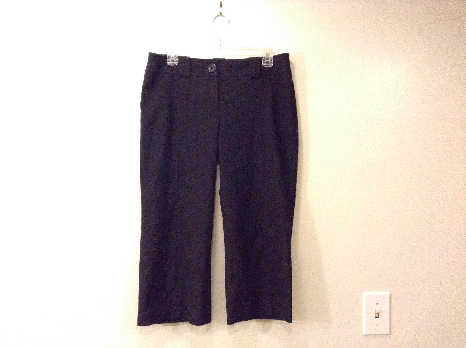Ladies Ann Taylor Lindsay Black Capri Pants Sz 6