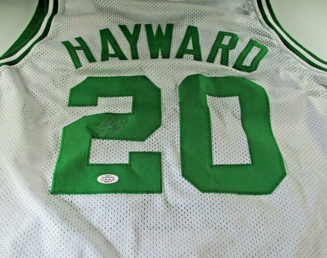 GORDON HAYWARD / AUTOGRAPHED BOSTON CELTICS WHITE CUSTOM BASKETBALL JERSEY / COA