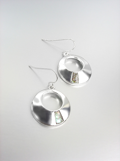 Primary image for ELEGANT Silver Mother of Pearl Shell Round Petite Dangle Earrings