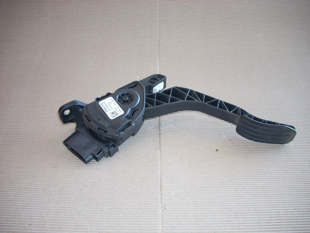 2012 VOLVO XC60 GAS ACCELERATOR PEDAL ASSEMBLY 31329062