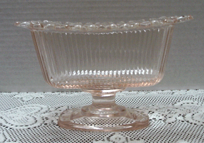 Vintage INDIANA GLASS Pink Pedestal Candy Dish With Lid