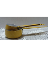 Vintage Yellow Aluminum Long Handled Measuring Cups Retro Kitchen ware - $10.95