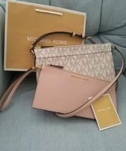Michael Kors JET SET TRAVEL LG Pocket Messenger Bag & Wristlet  Vanilla ... - $92.57