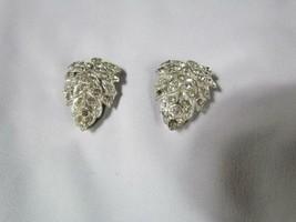 """Vintage Rhinestone 1.5"""" Long Scarf Leaf Clips AT180112 Pretty! - $23.74"""