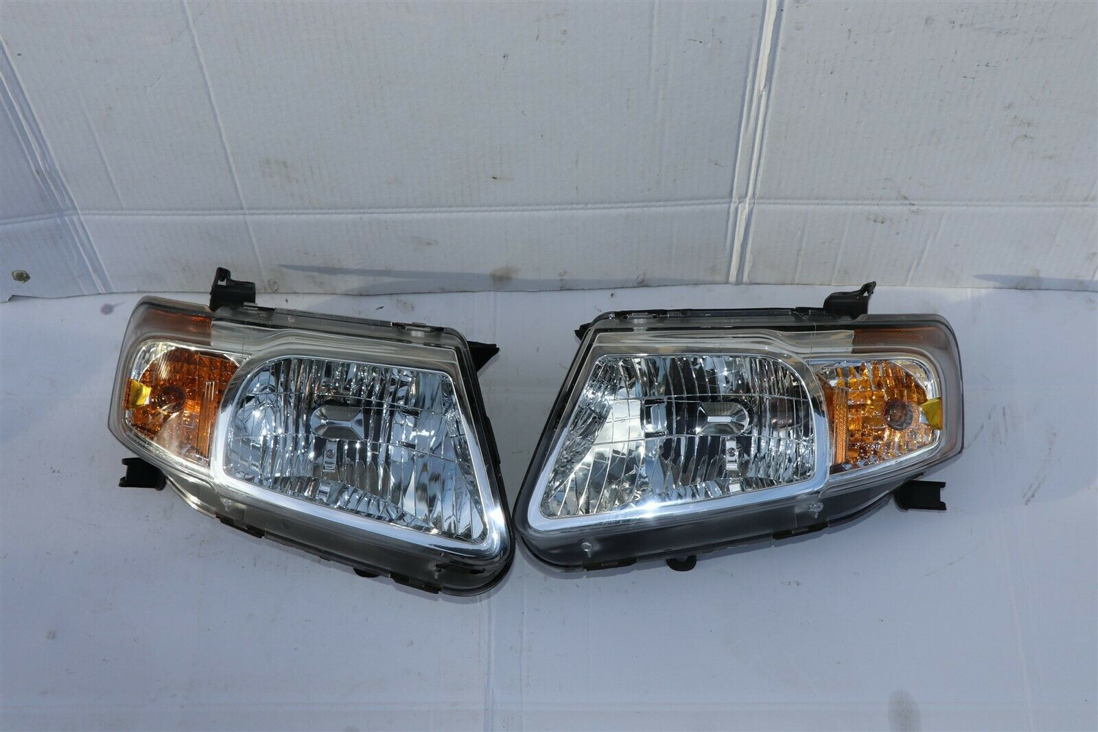 08-11 Mazda Tribute Headlight Lamp Matching Set Pair L&R - DEPO