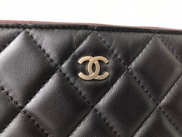 AUTHENTIC CHANEL Black Quilted Lambskin Large Clutch Bag GHW image 5