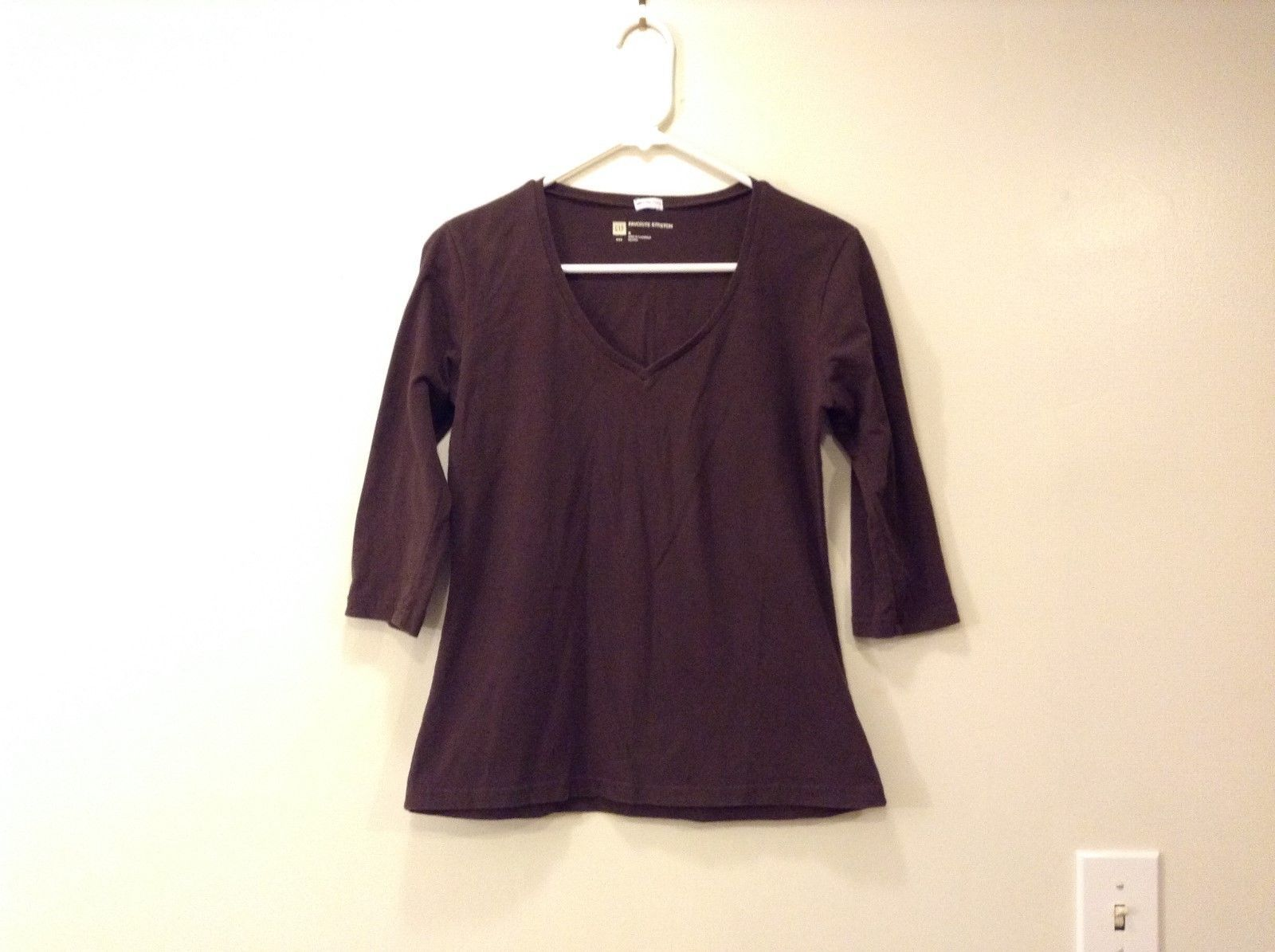 Ladies Gap Stretch V-Neck Dark Brown