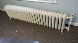 6VV52 W&T ANTIQUE HOT WATER RADIATOR SHORT, GOOD CONDITION - $999.66